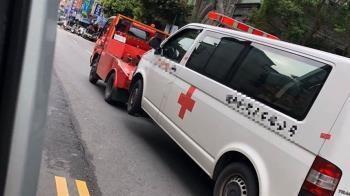 送病患上5樓!閃燈救護車遭拖吊 警方:依法處理
