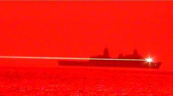 美軍艦實測新型雷射武器 成功摧毀無人機