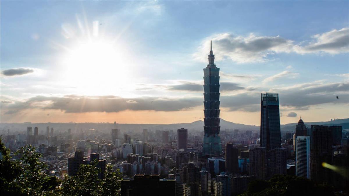 台北101觀景台推國人優惠 1大2小只需150元