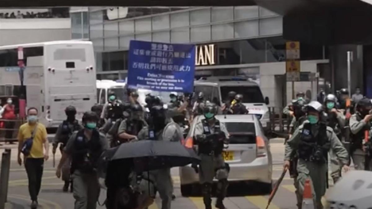 國歌法爭議聲中二讀 3500港警進駐立法會