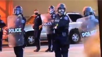 非裔遭警殺引群憤!抗議現場爆槍響 1少年中槍亡