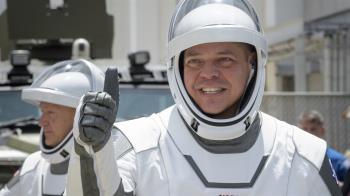 NASA等了9年!Space X火箭成功發射 載2人上太空