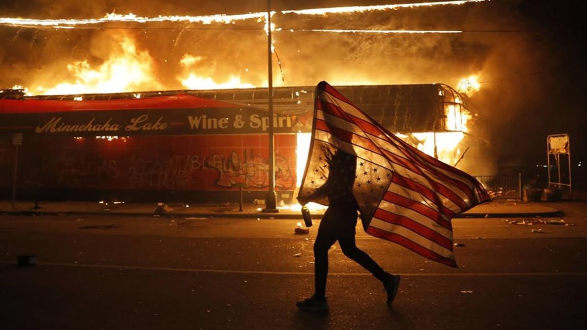全美16州25市實施宵禁 8州1特區動員國民兵制暴