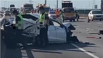 借開賓士!國道破200未繫安全帶 27歲男自撞噴飛亡
