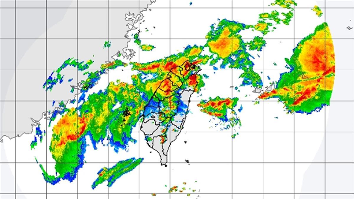 鋒面來襲!15縣市大雨特報 嚴防瞬間降雨