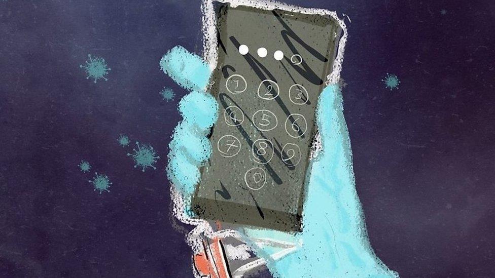 「在抗疫一線,手機成為我意想不到的伴侶」