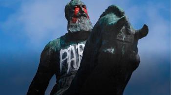 為何雕像很重要,為何它們又會被推倒?