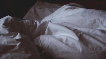 下藥迷昏閨蜜 讓男友性侵…女大生全程錄影29分鐘