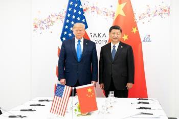 遭前幕僚出書爆「對中國很軟」川普反擊:他像隻生病的小狗