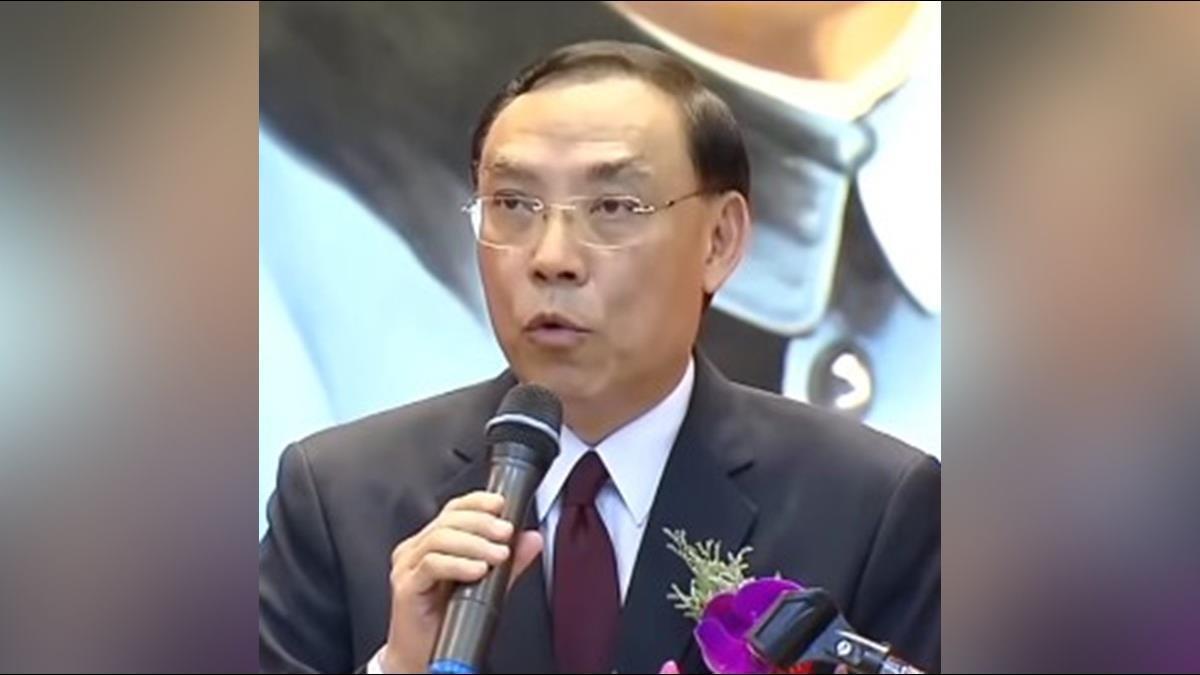 開庭看報滑手機遭「警告處分」 蔡清祥:全國檢察官引以為鑑