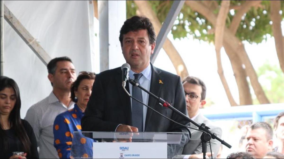 巴西確診突破百萬人 總統仍稱「小感冒」 前衛生部長:民眾已失信任
