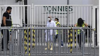 德肉品加工廠破千人群聚感染 6500員工全數隔離