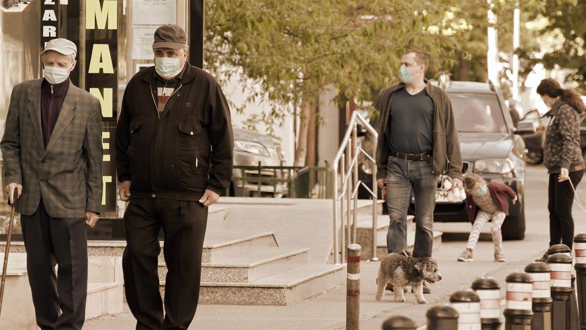 武肺全球確診逼近890萬例 逾46.5萬人不治