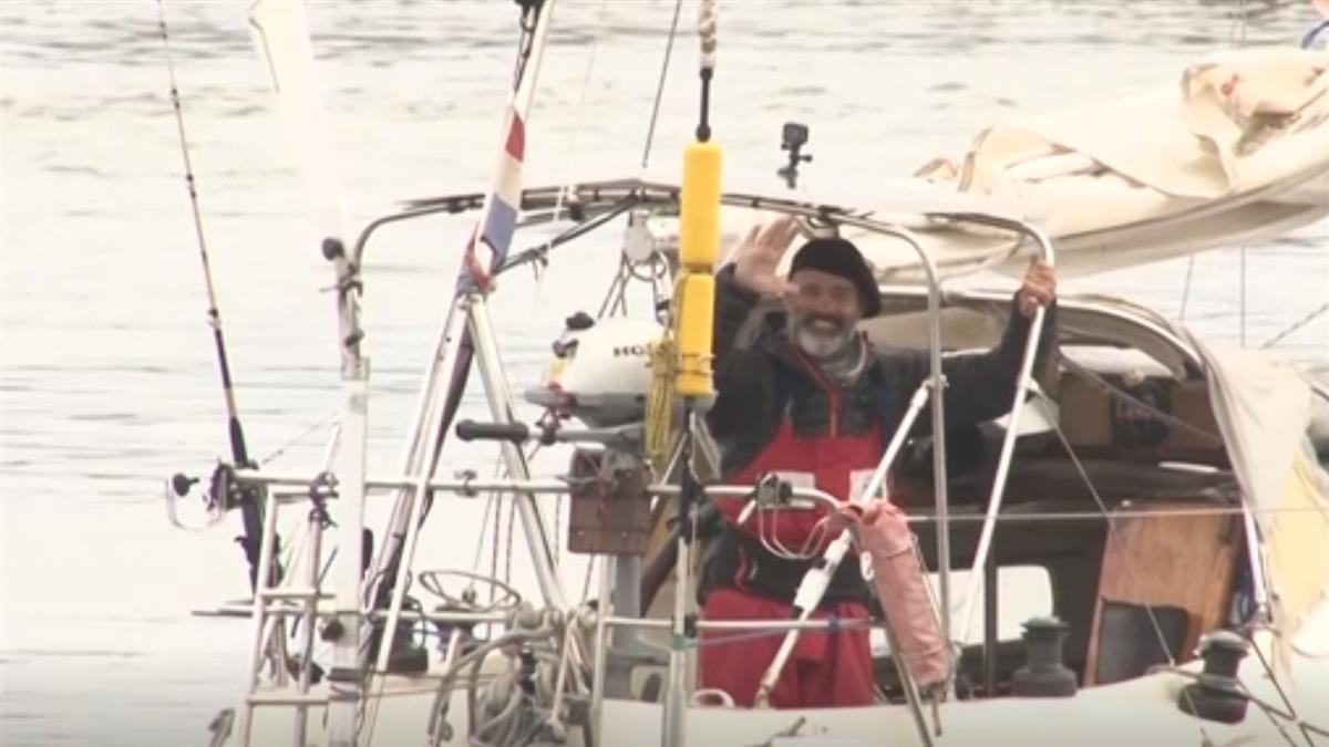 阿根廷水手從葡萄牙獨駕小船 85天勇渡大西洋探親