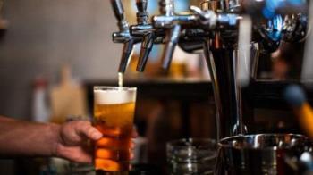 英國疫情大鬆綁:酒吧餐廳重新營業 兩米距離改為一米