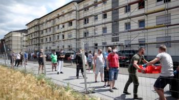 肺炎疫情:德國兩地區感染反彈50萬人重陷封鎖