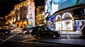 倫敦霓虹燈背後的真實一面:「罪惡之城」亦是保守之都