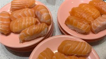 點10盤鮭魚壽司被嗆不懂吃!他氣炸一句反擊 萬人笑噴