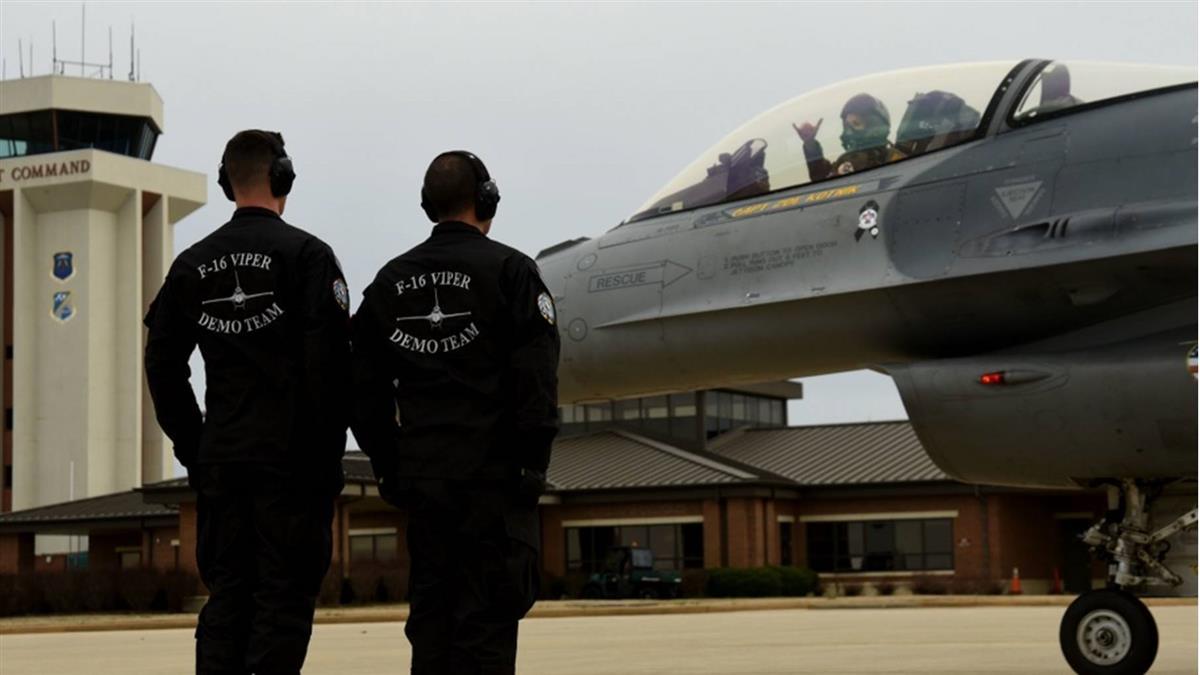 美空軍2個月內第4起嚴重事故 F-16戰機墜毀南卡