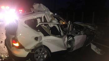 國道重大車禍!轎車追撞掀頂變爛鐵 駕駛慘死車內