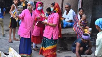 印度遇到三大麻煩:疫情、蝗災和反中浪潮