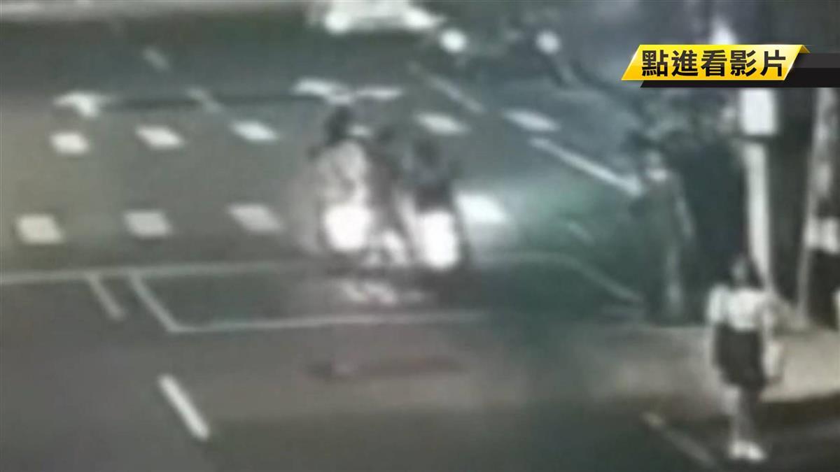 獨/醋勁大發!外拍男模載女友人 突遭她前男友攔車痛毆