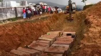 緬甸礦災增至171死 罹難礦工集體下葬