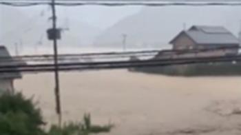 日九州豪雨害20死14命危...居民急排SOS求援