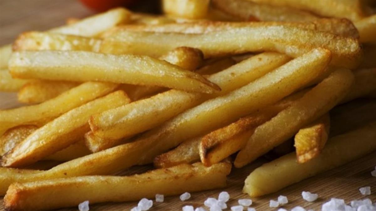 炸薯條用錯油!74歲婦喉嚨痛 2周後身亡