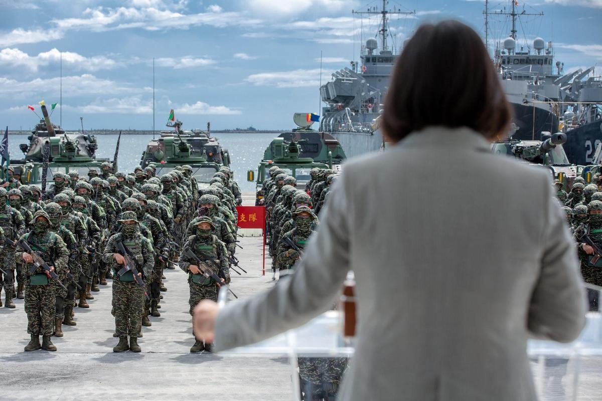 2海軍陸戰隊士兵意外殉職 蔡英文:堅強鬥志將不斷傳承
