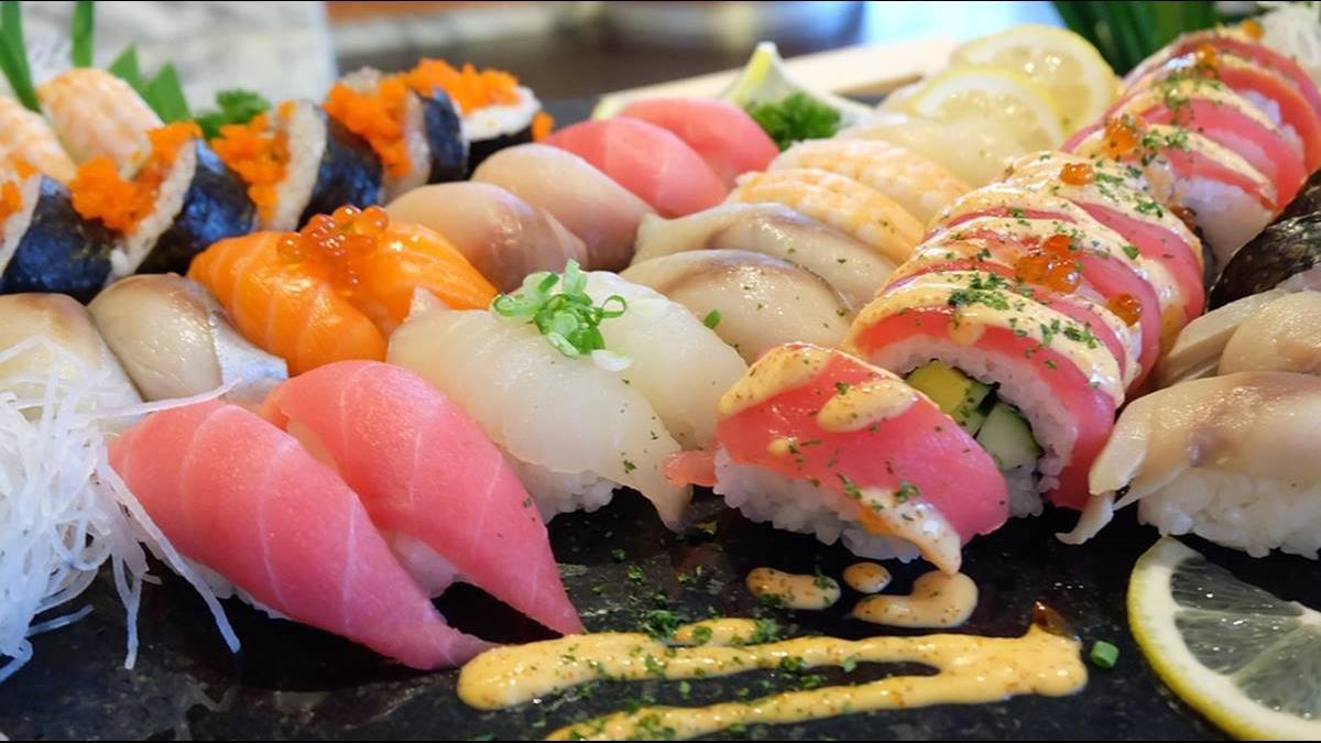 她常吃平價壽司 遭友私訊嫌「廉價」還被酸:年薪幾十萬才去吃