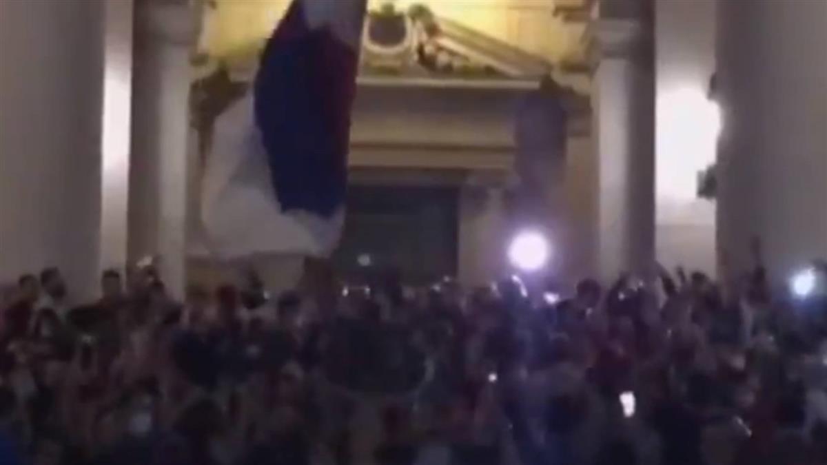 塞爾維亞擬再封城掀暴動 警民共數十人受傷