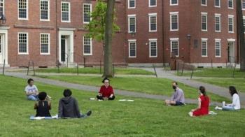 美國高校就外國留學生簽證事宜起訴移民局