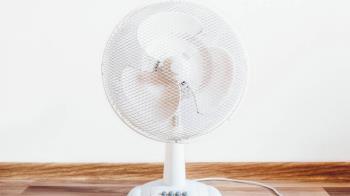 不裝冷氣!他開12台電扇抗暑 一個月帳單超驚人
