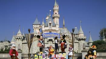 美染疫不治人數飆升 佛州迪士尼世界仍堅持開園