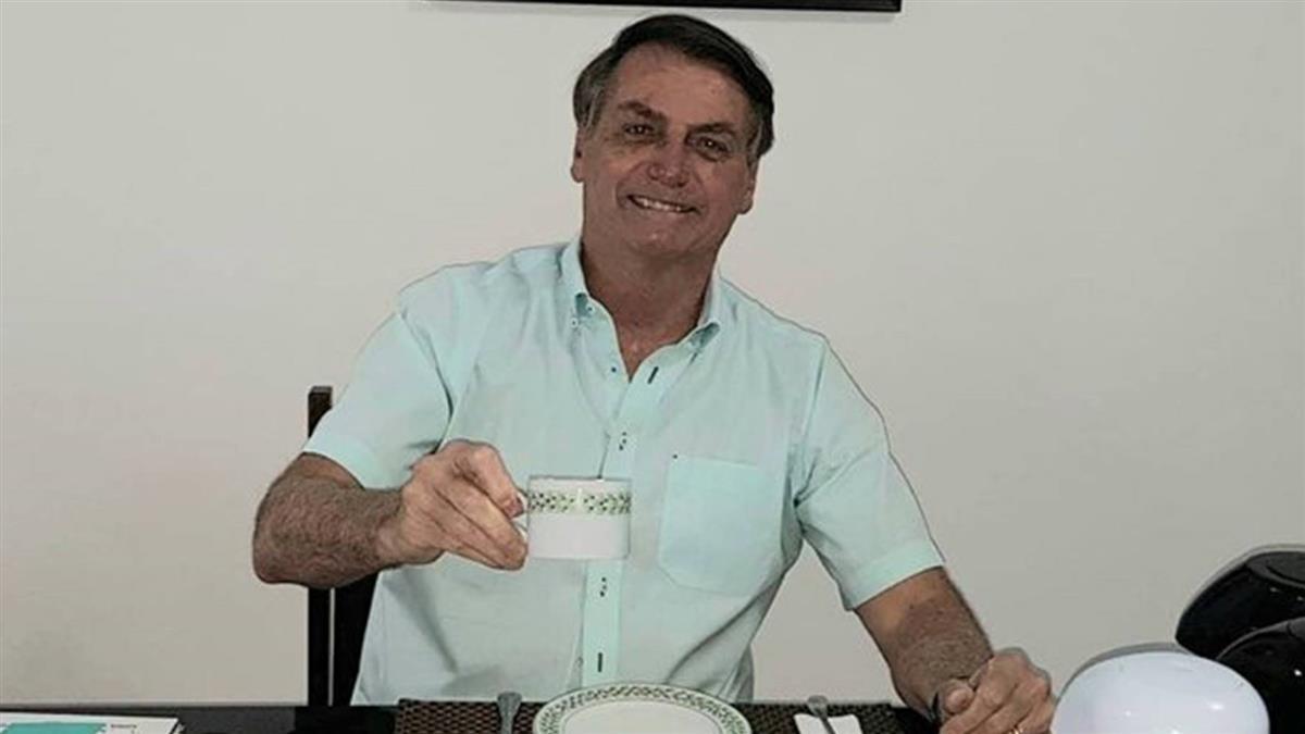 巴西總統染疫 第一夫人:我與兩個女兒採檢陰性