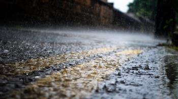 對流雨彈來襲!2縣市大雨特報 嚴防雷擊、強陣風