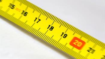 地表最粗最長!15歲男孩秀18cm 破世界紀錄
