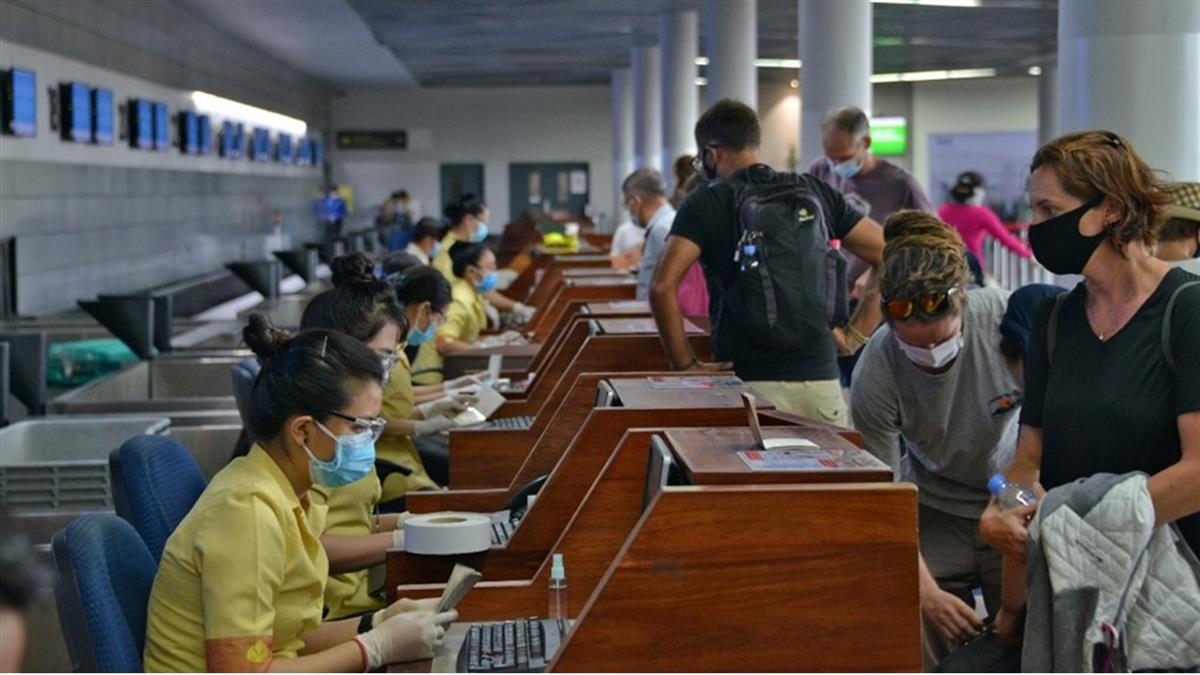 3柬埔寨人在台停留4hr!轉機後確診 指揮中心回應了