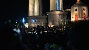 泰國2014軍事政變後最大示威 民眾怒吼政府下台