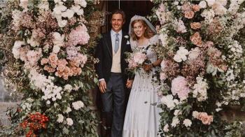 肺炎疫情下的王室大婚精簡版:來看英國碧翠絲公主戴著女王的王冠出嫁