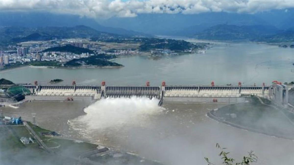 中國長江汛情嚴峻 專家答對三峽大壩質疑