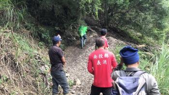 南投八通關古道蜜蜂螫人 22登山客受傷送醫