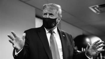 首次戴口罩示人  川普:沒有人比我更愛國