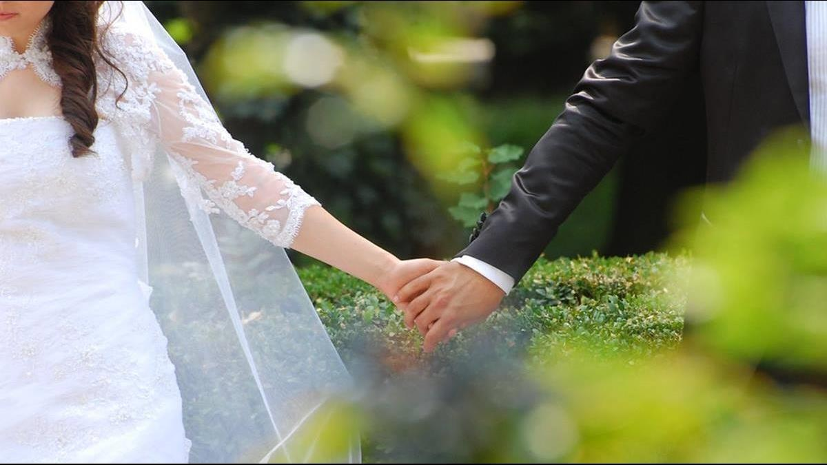 40歲還沒結婚的人很怪?她遇親戚狂催婚嘆:真的很倒霉