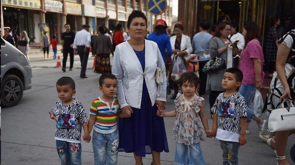 英國指責中國「嚴重」侵犯新疆維族人權 中國稱指控不實