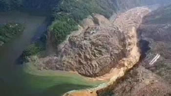 湖北清江上游毀了!土石流成堰塞湖 隨時有潰堤可能