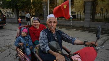 劉曉明出席BBC政論節目:「新疆沒有所謂的集中營」