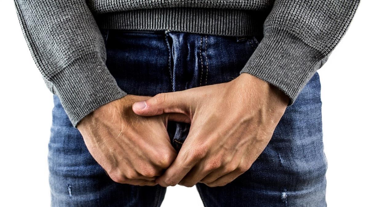 賣場裸下體試穿內褲! 愛滋男揚言傳性病被罵爆
