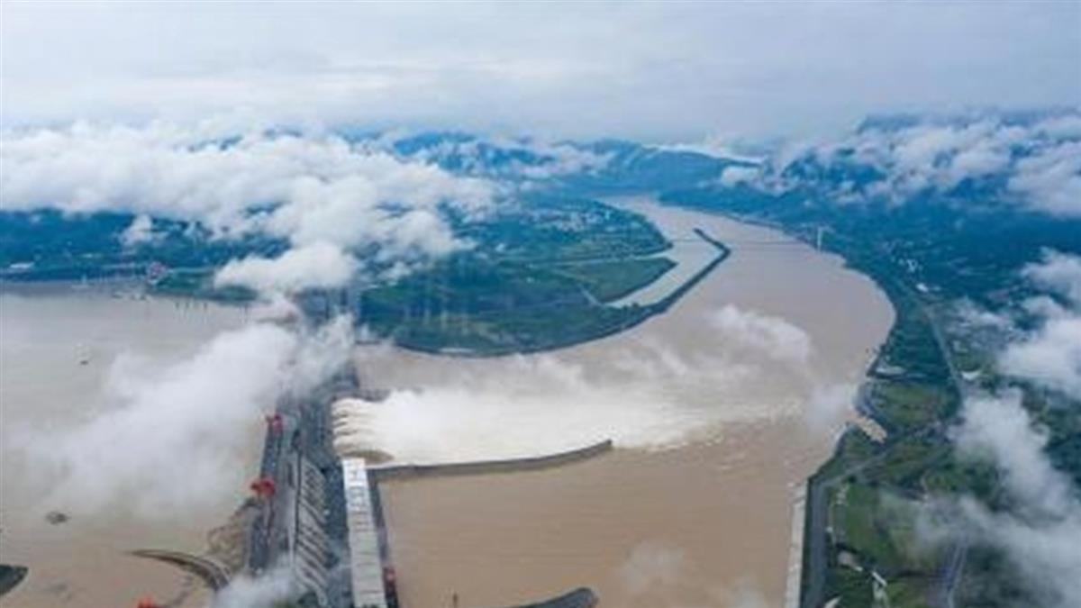 三峽大壩「潰壩預演」曝 壩體有如積木崩毀...畫面超震撼!